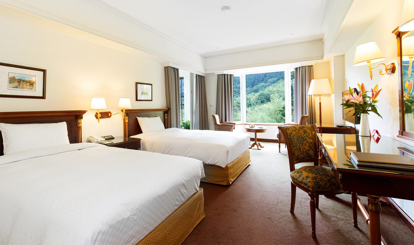 Luxury double-bed room with view