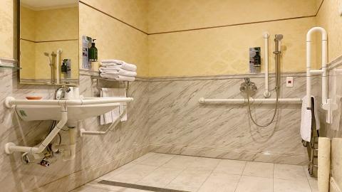米堤長青房浴室2